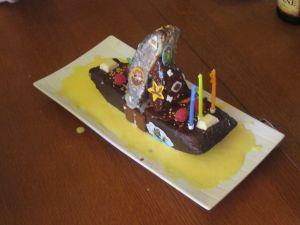 Mon bateau au 3 chocolats sur lit de creme anglaise