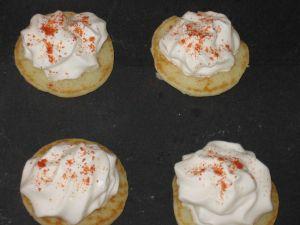 blinis au saumon et crème chantilly citronnée