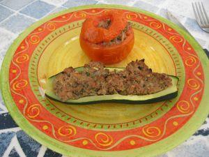 Courgette et tomate farcie prête à déguster