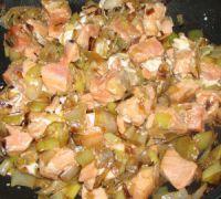 cubes de saumons et poireaux