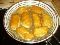 cuisson des beignets à l'huile chaude