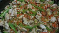 dinde aux légumes en cuisson