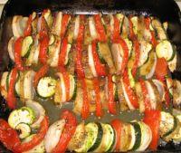 Disposer les légumes de la ratatouille