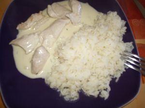 Accompagné de riz, un plat délicieux