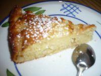 Le gâteau au beurre et aux pommes