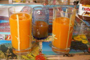 jus de carotte pomme au thé glacé