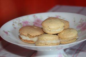 petit macarons crème patissière à l'eau de fleur d'oranger