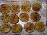 Minis tartelettes à l'ananas sortant du four