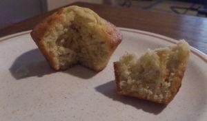 Muffins au lait de chèvre, avoine et romarin