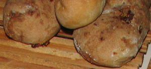 Pain aux noix et figues