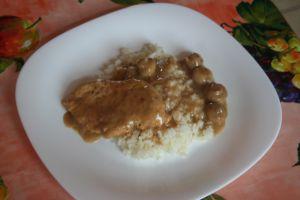 escaloppe de porc, riz, champignons à la crême