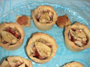 Pies aux pommes et à la confiture de myrtilles