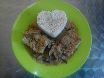 poisson sauce arachide aux champignon