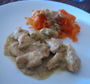 Poulet au curry, tagliatelles de carottes