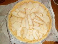 Disposer les poires sur la tarte