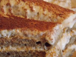 Tiramisu traditionnel au mascarpone et café